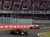 GP GIAPPONE, 07.10.2018 - Gara, Max Verstappen (NED) Red Bull Racing RB14 davanti a Kimi Raikkonen (FIN) Ferrari SF71H