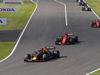 GP GIAPPONE, 07.10.2018 - Gara, Max Verstappen (NED) Red Bull Racing RB14 e Sebastian Vettel (GER) Ferrari SF71H