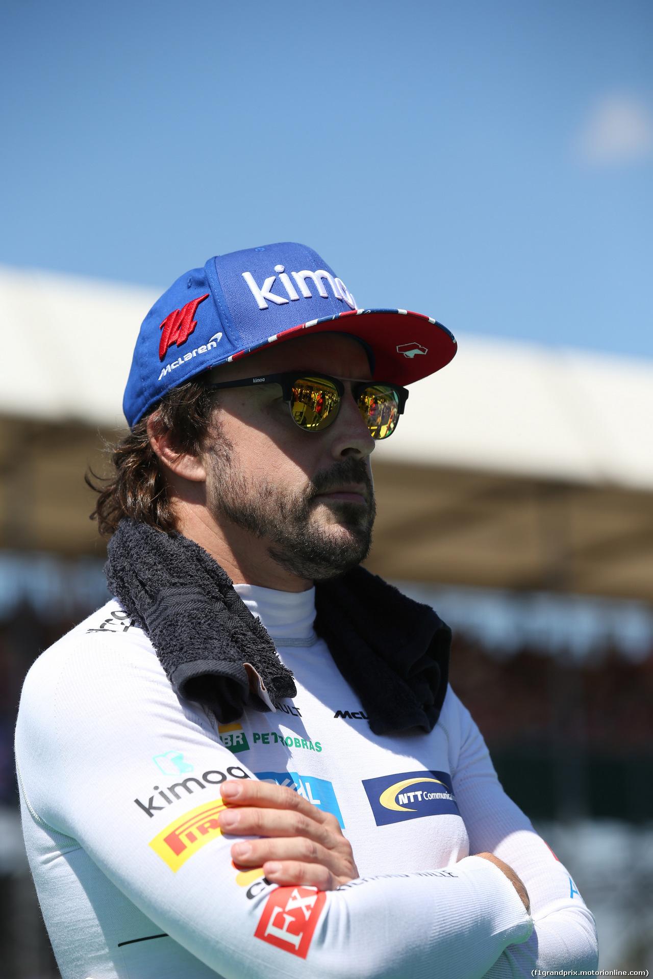GP GRAN BRETAGNA, 08.07.2018- partenzaing grid,  Fernando Alonso (ESP) McLaren Renault MCL33