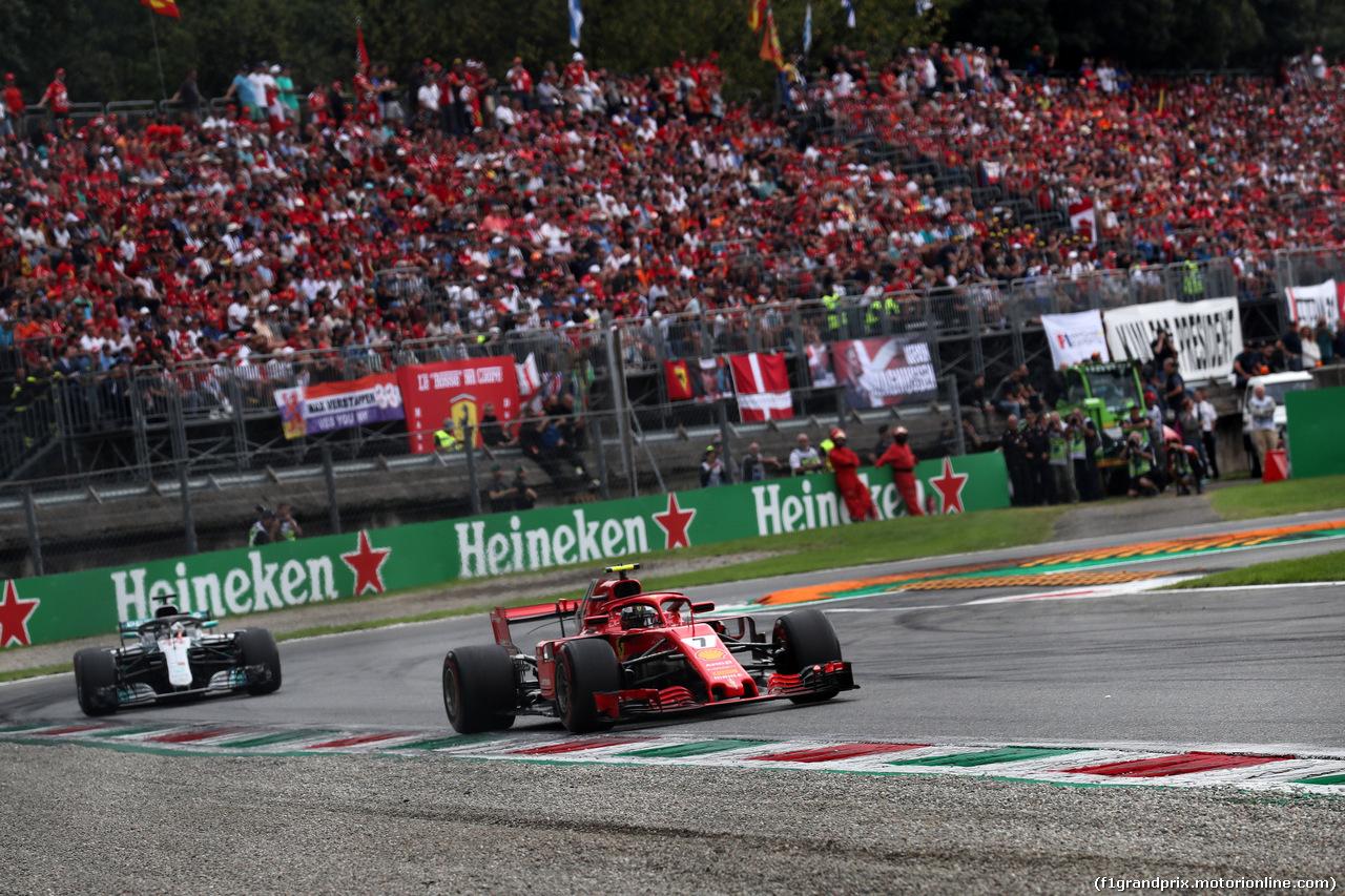 GP ITALIA, 02.09.2018 - Gara, Kimi Raikkonen (FIN) Ferrari SF71H davanti a Lewis Hamilton (GBR) Mercedes AMG F1 W09