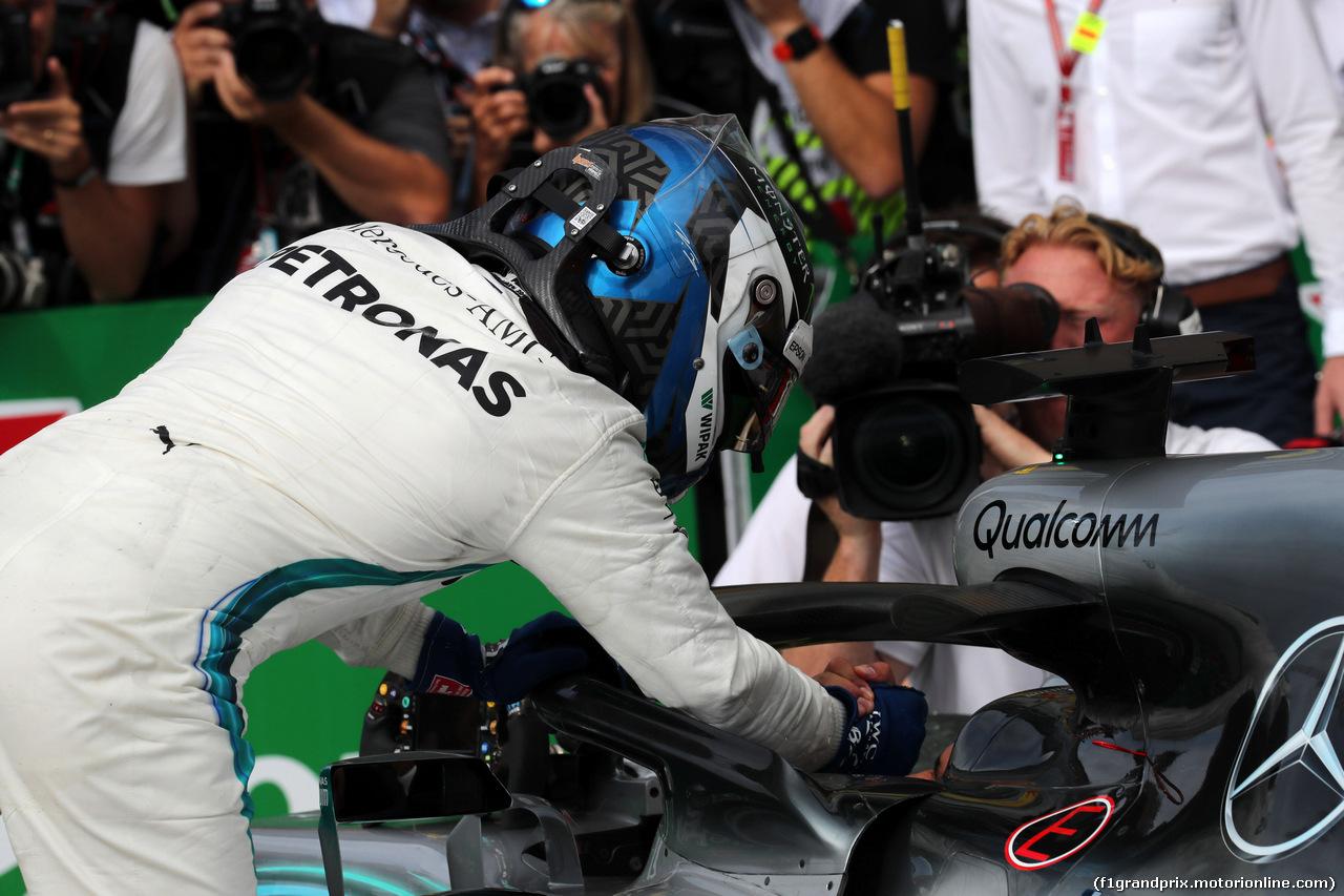 GP ITALIA, 02.09.2018 - Gara, 3rd place Valtteri Bottas (FIN) Mercedes AMG F1 W09 e Lewis Hamilton (GBR) Mercedes AMG F1 W09 vincitore