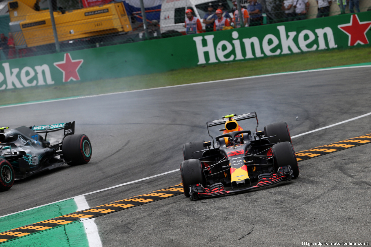 GP ITALIA, 02.09.2018 - Gara, Crash, Valtteri Bottas (FIN) Mercedes AMG F1 W09 e Max Verstappen (NED) Red Bull Racing RB14