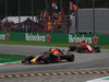 GP ITALIA, 02.09.2018 - Gara, Daniel Ricciardo (AUS) Red Bull Racing RB14 davanti a Sebastian Vettel (GER) Ferrari SF71H