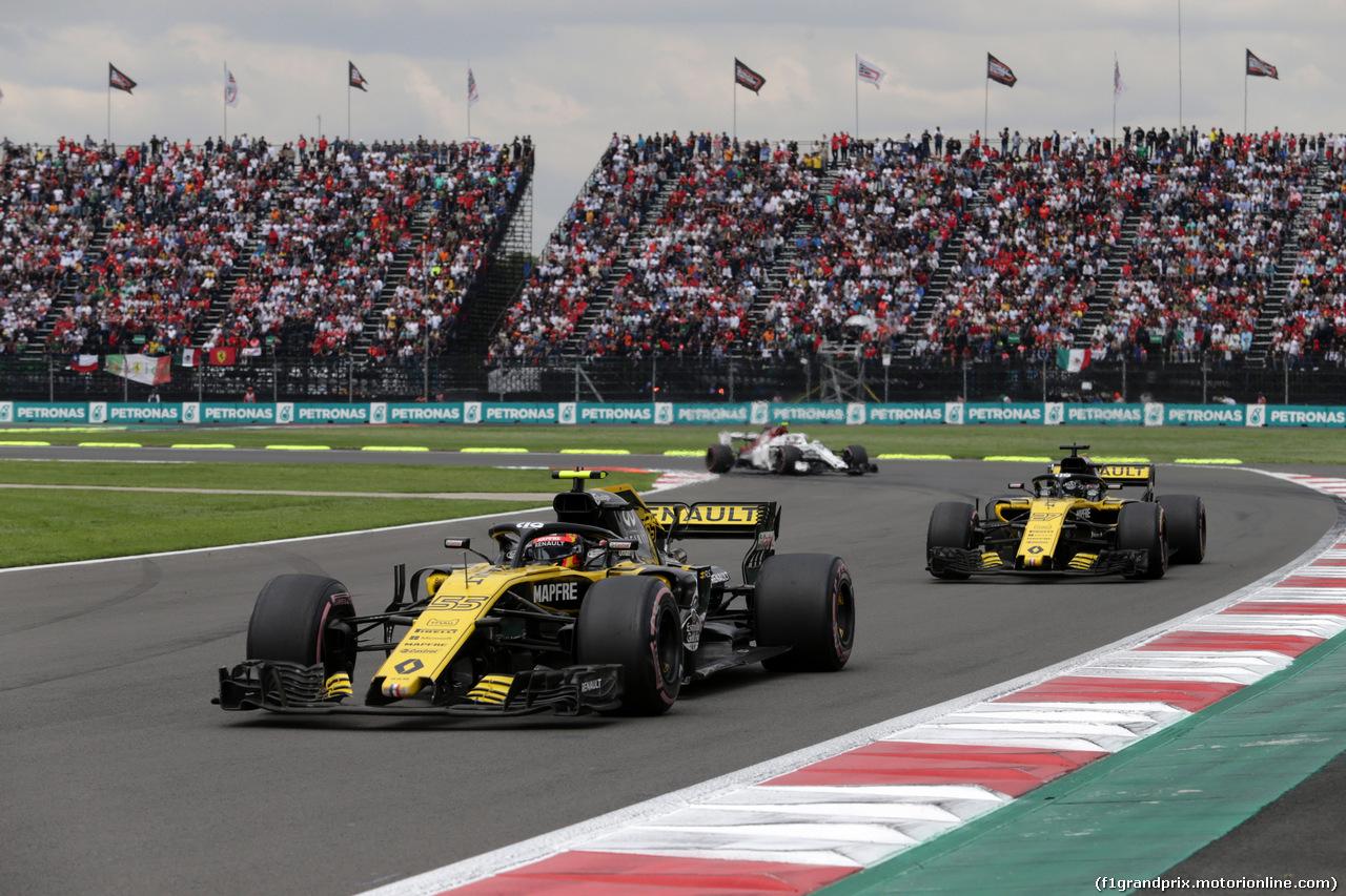 GP MESSICO, 28.10.2018 - Gara, Carlos Sainz Jr (ESP) Renault Sport F1 Team RS18 e Nico Hulkenberg (GER) Renault Sport F1 Team RS18