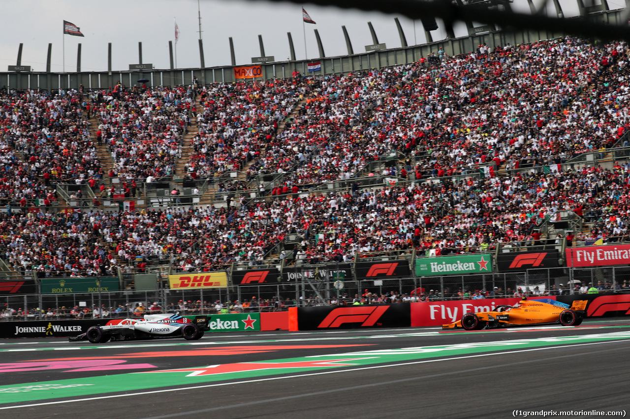 GP MESSICO, 28.10.2018 - Gara, Lance Stroll (CDN) Williams FW41 e Stoffel Vandoorne (BEL) McLaren MCL33
