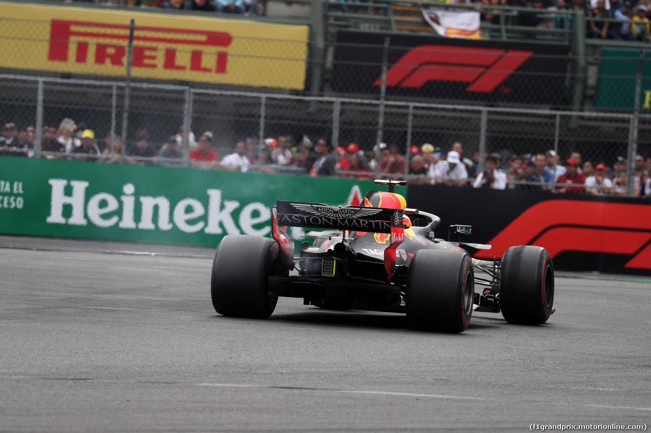 GP MESSICO, 28.10.2018 - Gara, Daniel Ricciardo (AUS) Red Bull Racing RB14 retires from the race