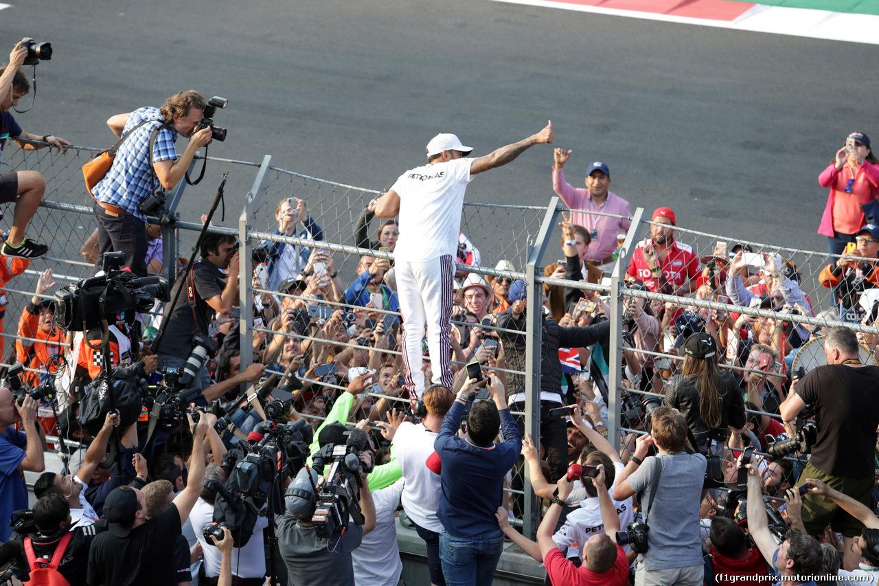 GP MESSICO, 28.10.2018 - Festeggiamenti, Lewis Hamilton (GBR) Mercedes AMG F1 W09, F1 champion 2018