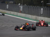 GP MESSICO, 28.10.2018 - Gara, Daniel Ricciardo (AUS) Red Bull Racing RB14 davanti a Sebastian Vettel (GER) Ferrari SF71H
