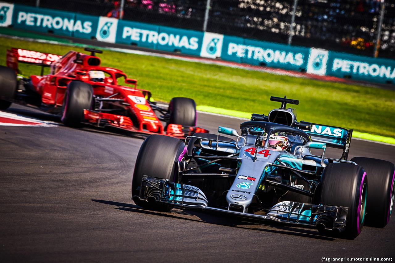 GP MESSICO, 26.10.2018 - Prove Libere 1, Lewis Hamilton (GBR) Mercedes AMG F1 W09 davanti a Sebastian Vettel (GER) Ferrari SF71H