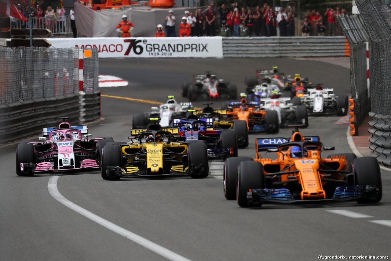 GP MONACO, 27.05.2018 - Gara, Sergio Perez (MEX) Sahara Force India F1 VJM011, Carlos Sainz Jr (ESP) Renault Sport F1 Team RS18 e Fernando Alonso (ESP) McLaren MCL33