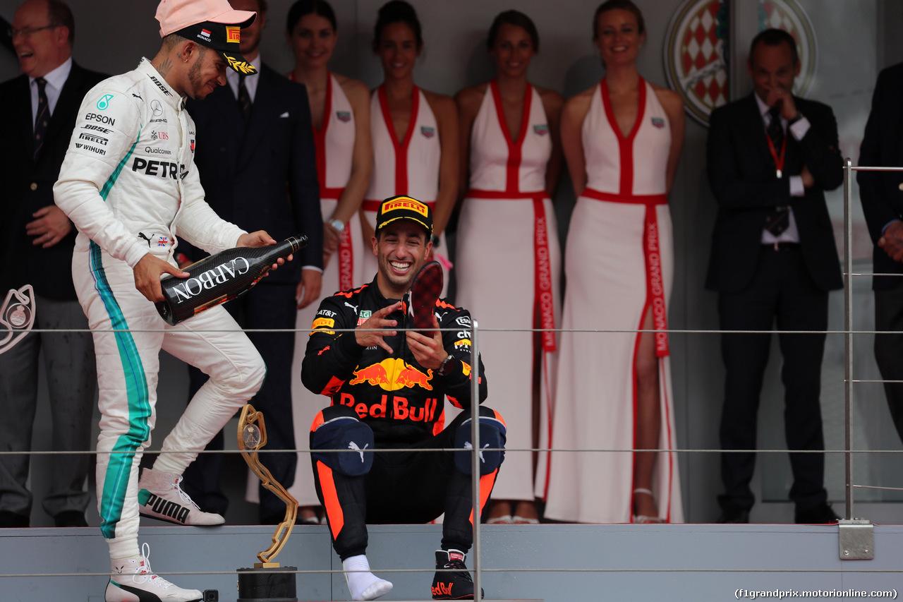 GP MONACO, 27.05.2018 - Gara, 3rd place Lewis Hamilton (GBR) Mercedes AMG F1 W09 e Daniel Ricciardo (AUS) Red Bull Racing RB14 vincitore