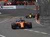 GP MONACO, 27.05.2018 - Gara, Fernando Alonso (ESP) McLaren MCL33 e Carlos Sainz Jr (ESP) Renault Sport F1 Team RS18