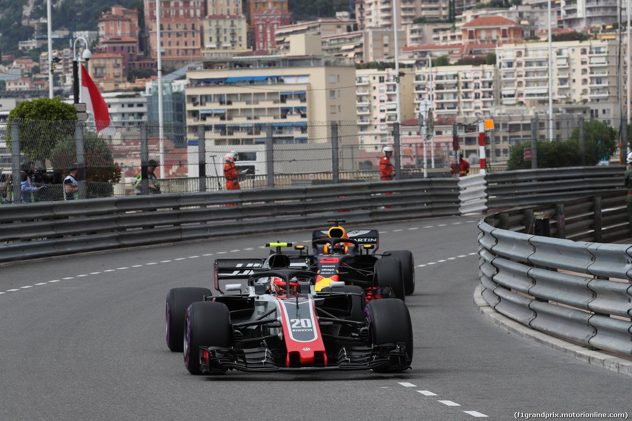 GP MONACO, 23.05.2018 - Prove Libere 1, Kevin Magnussen (DEN) Haas F1 Team VF-18 e Daniel Ricciardo (AUS) Red Bull Racing RB14