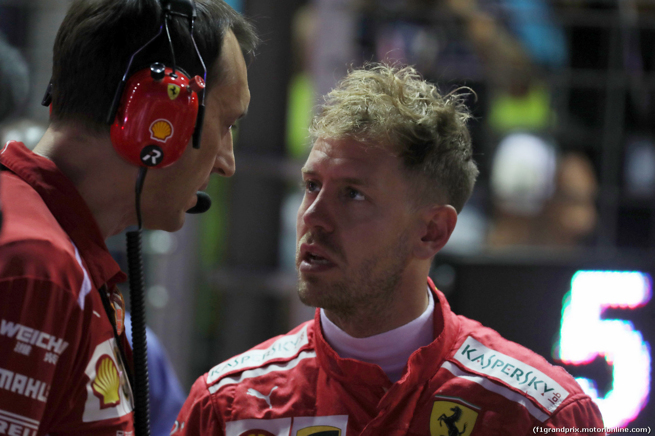 GP SINGAPORE, 16.09.2018 - Gara, Riccardo Adami (ITA) Ferrari Gara Engineer e Sebastian Vettel (GER) Ferrari SF71H