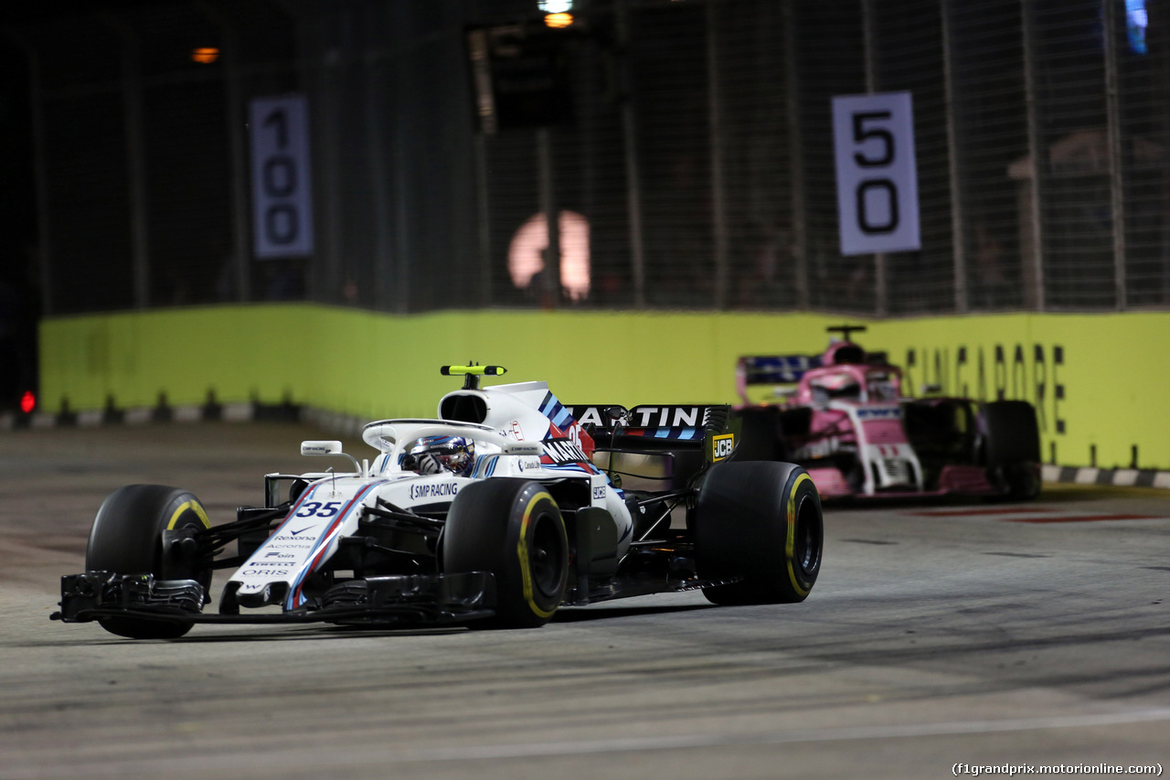 GP SINGAPORE, 16.09.2018 - Gara, Sergey Sirotkin (RUS) Williams FW41 e Sergio Perez (MEX) Racing Point Force India F1 VJM11
