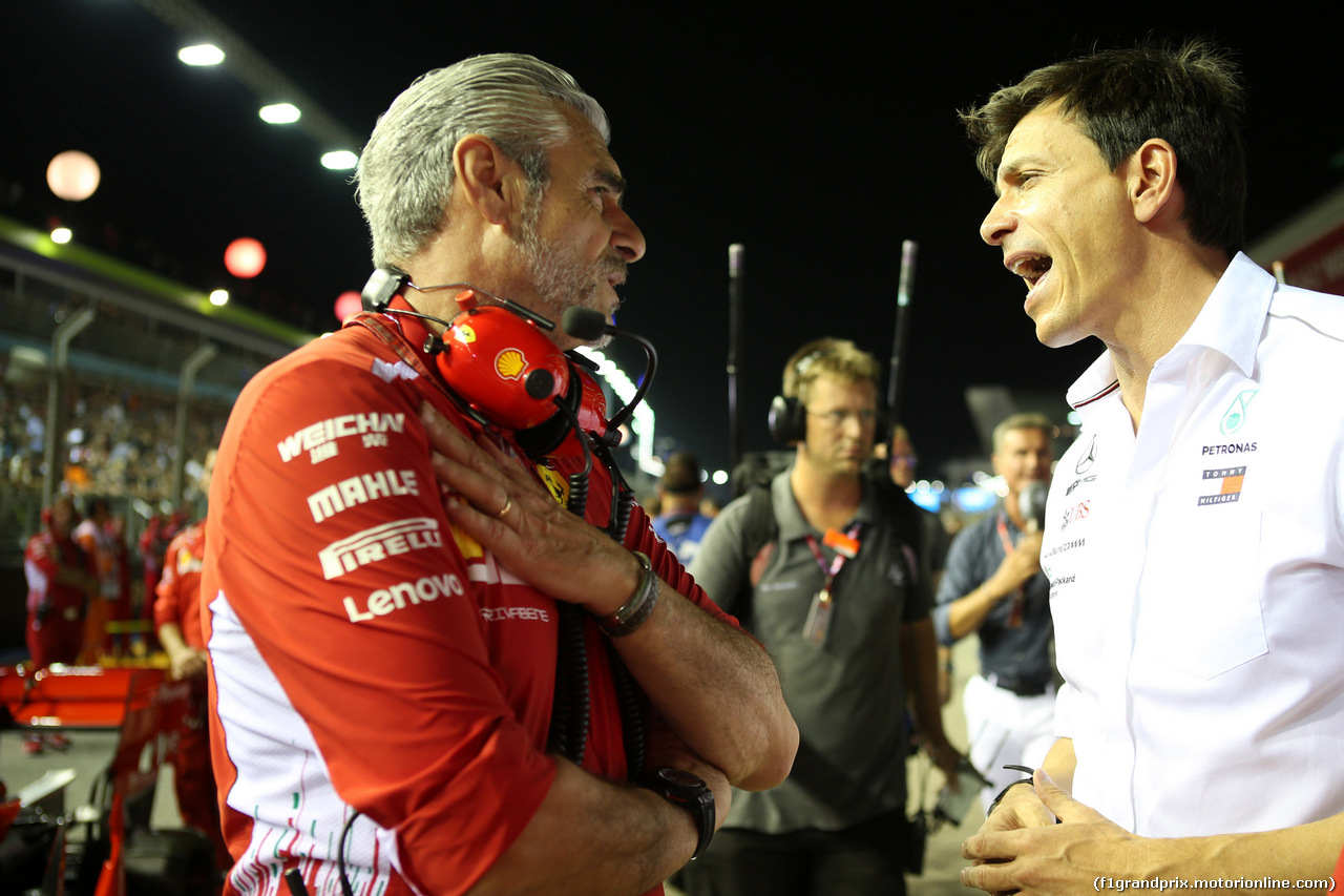 GP SINGAPORE, 16.09.2018 - Gara, Maurizio Arrivabene (ITA) Ferrari Team Principal e Toto Wolff (GER) Mercedes AMG F1 Shareholder e Executive Director