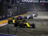 GP SINGAPORE, 16.09.2018 - Gara, Carlos Sainz Jr (ESP) Renault Sport F1 Team RS18 davanti a Nico Hulkenberg (GER) Renault Sport F1 Team RS18