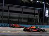 GP SINGAPORE, 16.09.2018 - Gara, Kimi Raikkonen (FIN) Ferrari SF71H e Daniel Ricciardo (AUS) Red Bull Racing RB14
