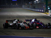 GP SINGAPORE, 16.09.2018 - Gara, Kevin Magnussen (DEN) Haas F1 Team VF-18 e Brendon Hartley (NZL) Scuderia Toro Rosso STR13