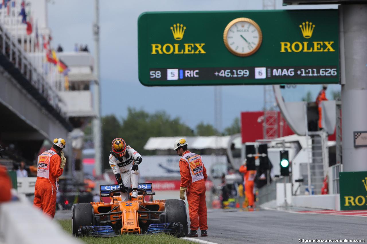 GP SPAGNA, 13.05.2018 - Gara, Stoffel Vandoorne (BEL) McLaren MCL33 retires from the race