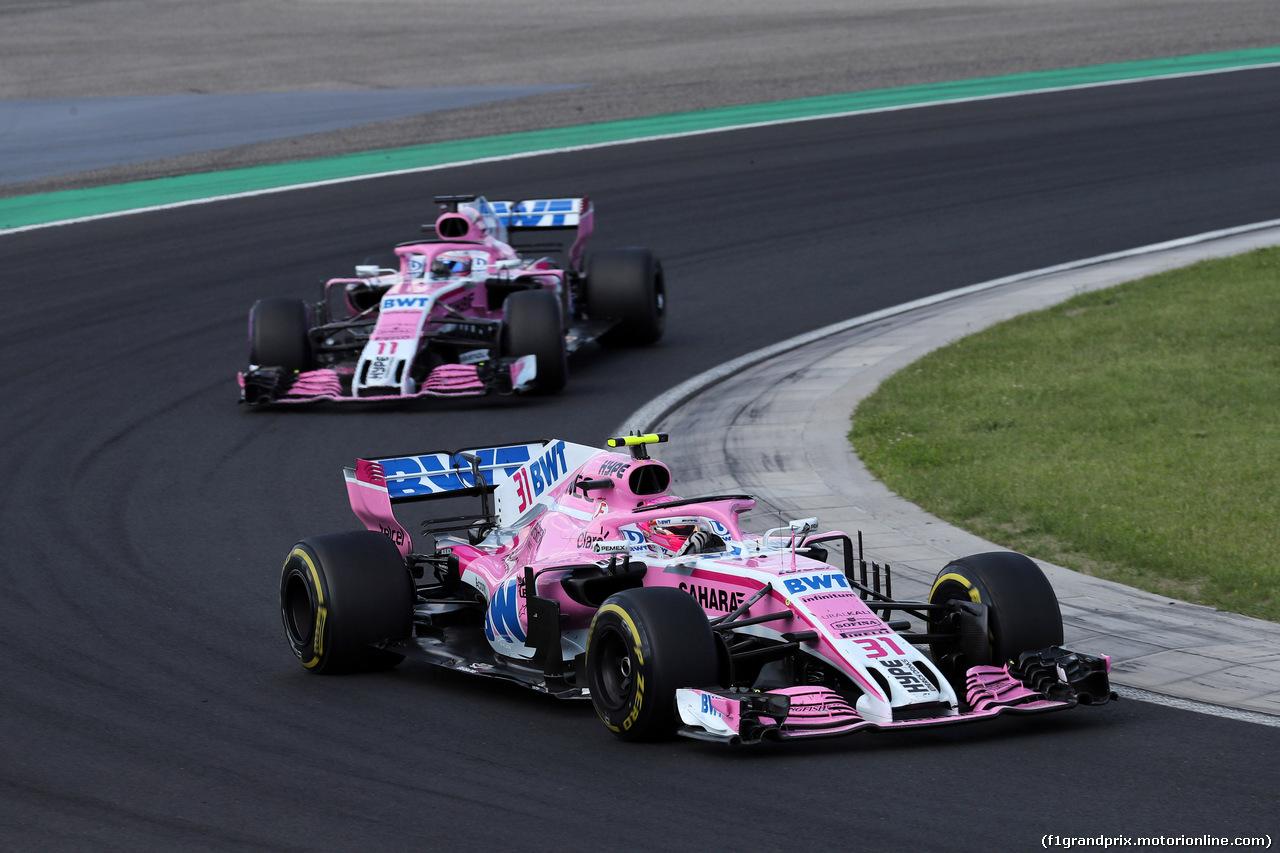 GP UNGHERIA, 29.07.2018 - Gara, Esteban Ocon (FRA) Sahara Force India F1 VJM11 davanti a Sergio Perez (MEX) Sahara Force India F1 VJM011