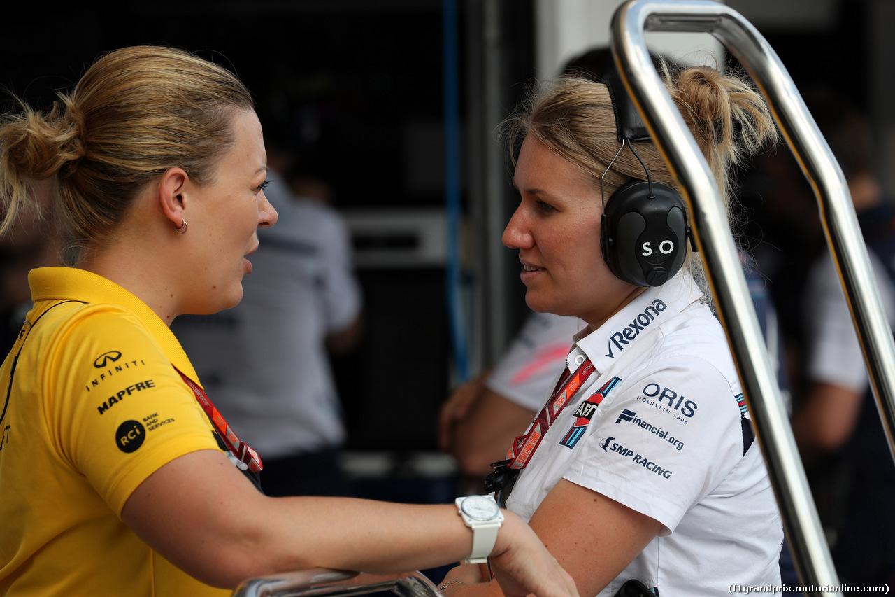GP UNGHERIA, 27.07.2018 - Prove Libere 2, Aurelie Donzelot, Renault e Sophie Ogg, Williams F1's head of communications