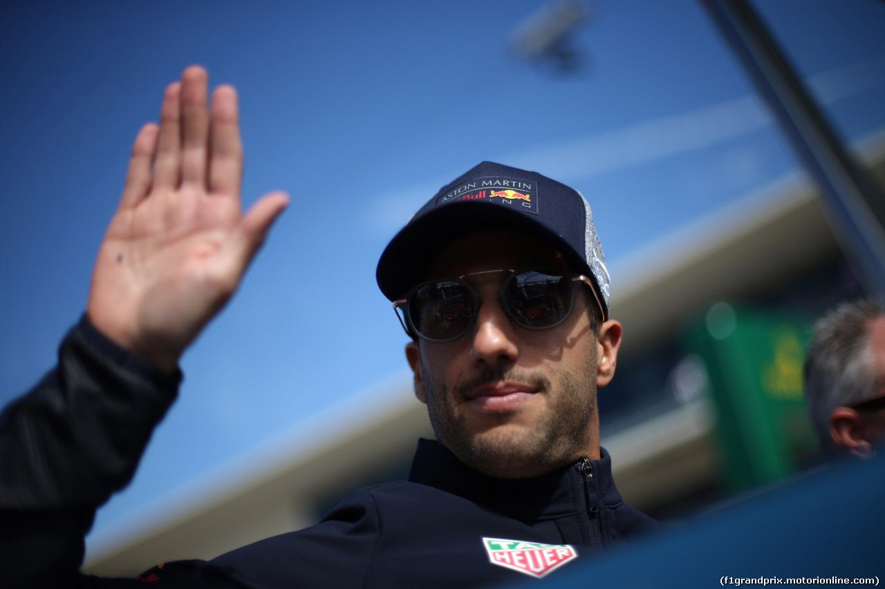 GP USA, 21.10.2018- driver parade, Daniel Ricciardo (AUS) Red Bull Racing RB14