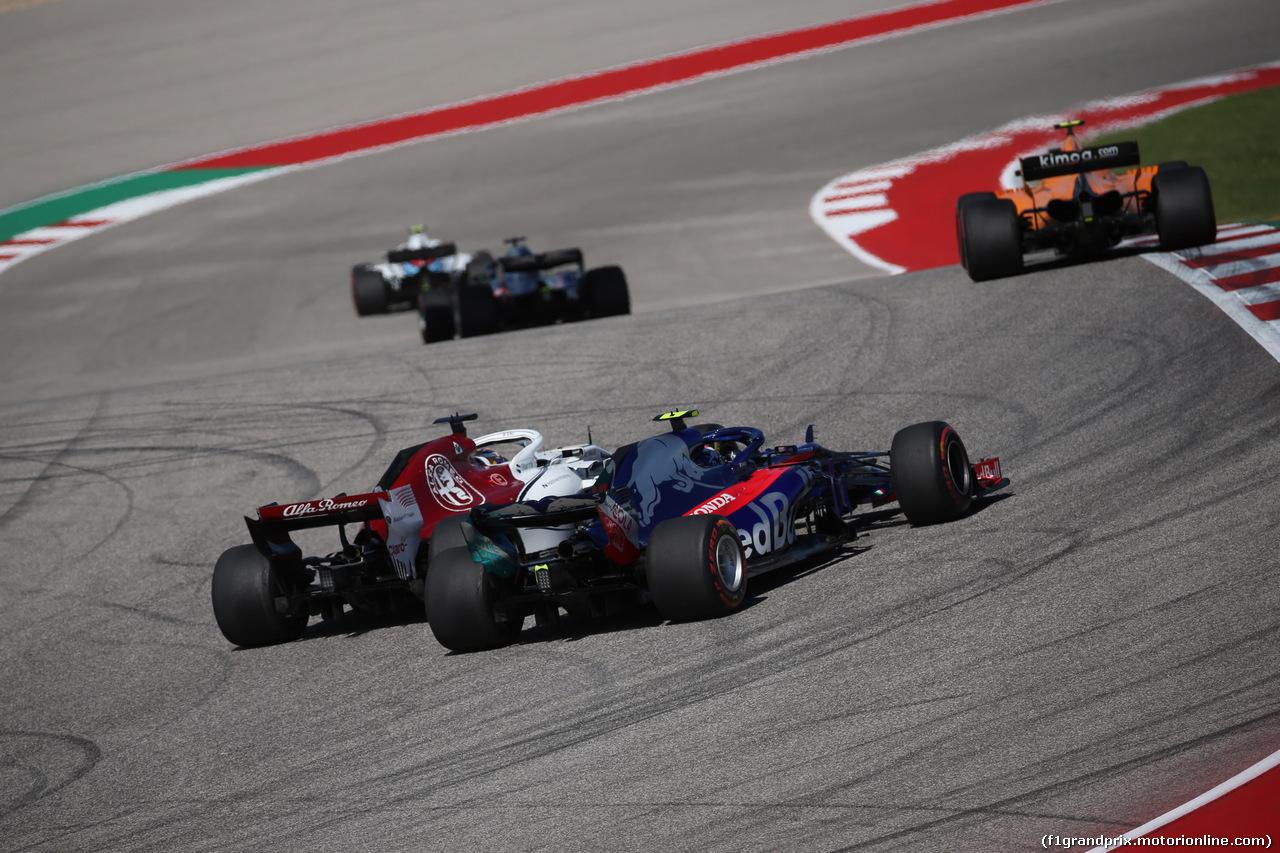 GP USA, 21.10.2018- Gara, Marcus Ericsson (SUE) Alfa Romeo Sauber C37 e 28 fighting