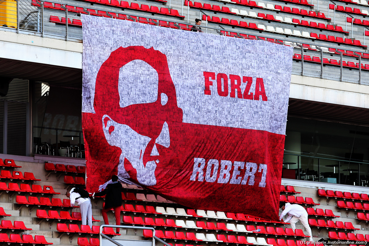 TEST F1 BARCELLONA 15 MAGGIO, A large banner for Robert Kubica (POL) Williams Reserve e Development Driver. 15.05.2018.