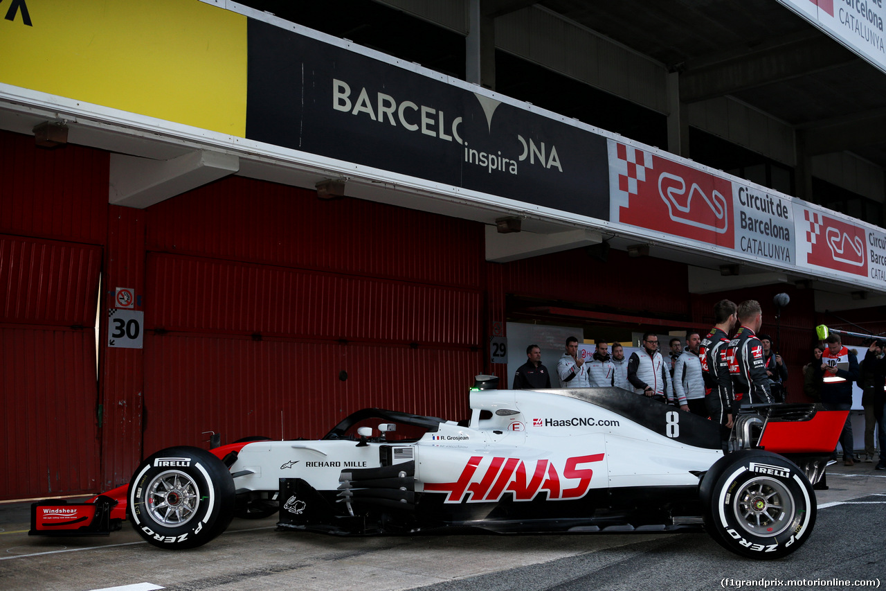 TEST F1 BARCELLONA 26 FEBBRAIO, The Haas VF-18 is revealed. 26.02.2018.
