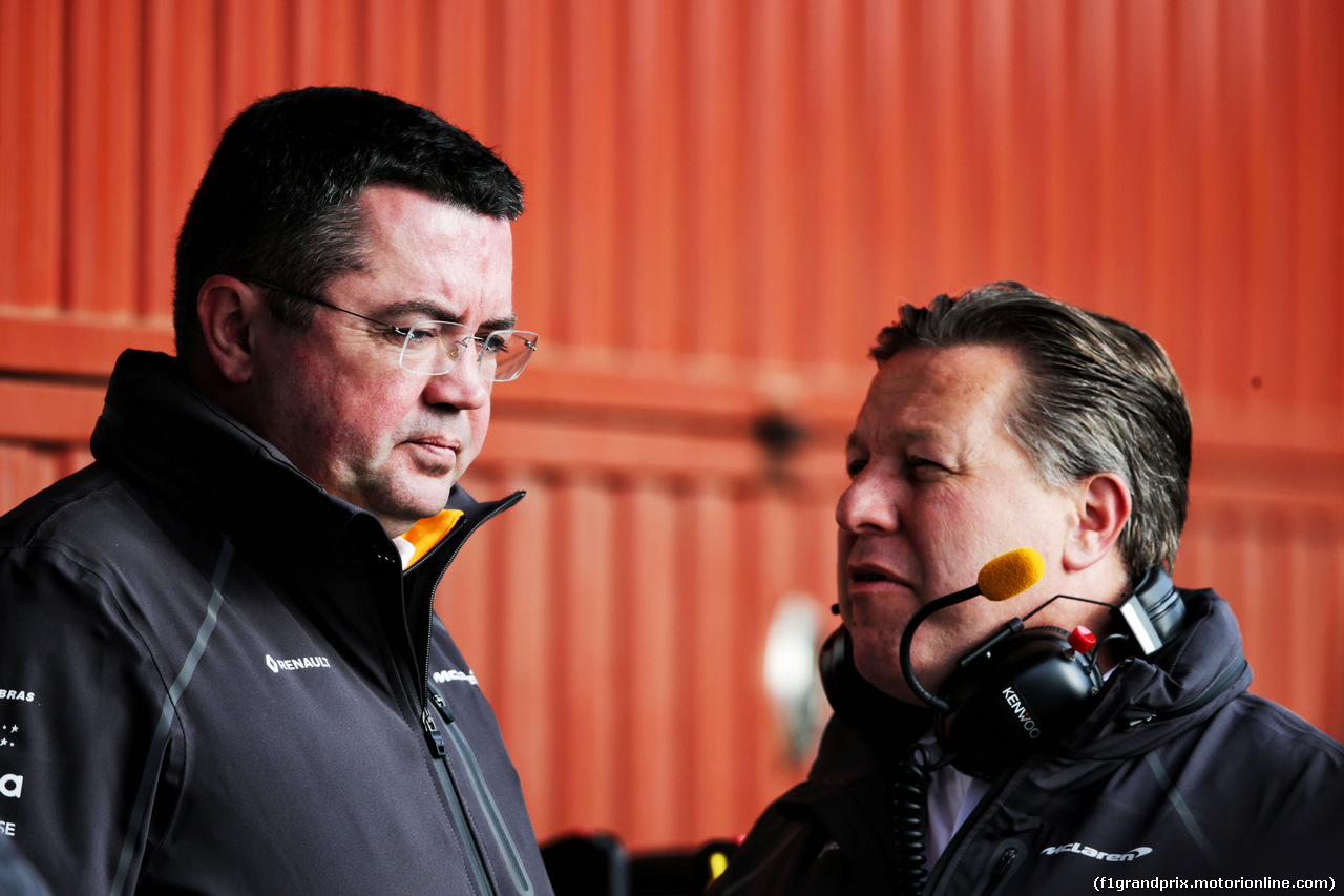 TEST F1 BARCELLONA 26 FEBBRAIO, (L to R): Eric Boullier (FRA) McLaren Racing Director with Zak Brown (USA) McLaren Executive Director. 26.02.2018.