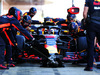 TEST F1 BARCELLONA 8 MARZO, Daniel Ricciardo (AUS) Red Bull Racing RB14 practices a pit stop. 07.03.2018.