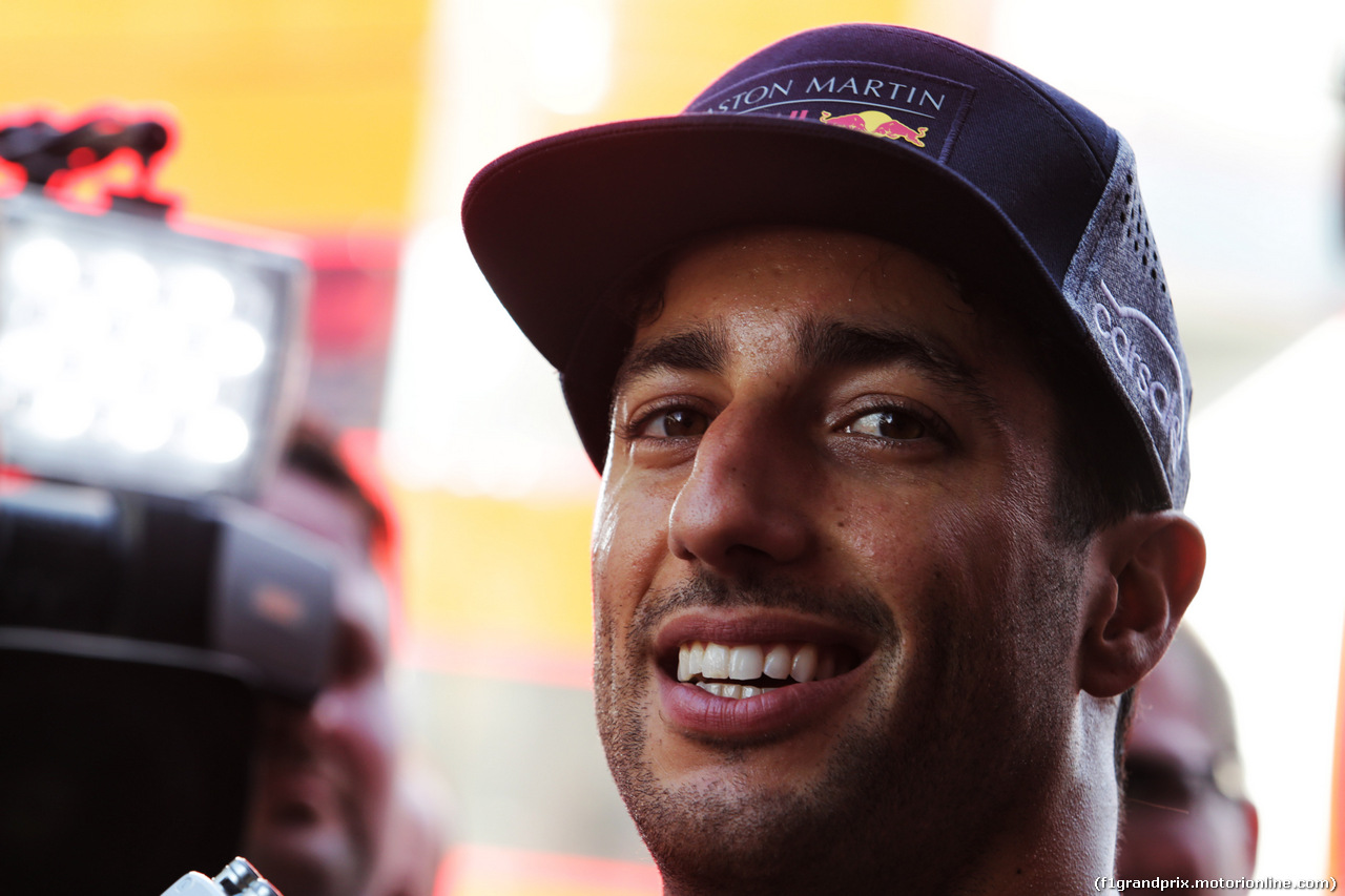 TEST F1 UNGHERIA 31 LUGLIO, Daniel Ricciardo (AUS) Red Bull Racing with the media. 31.07.2018.