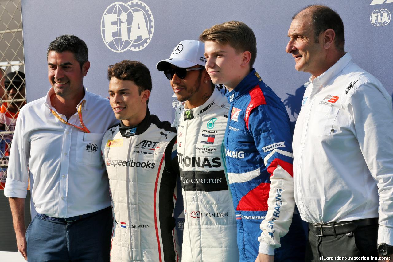 GP ABU DHABI, (L to R): Michael Masi (AUS) FIA Gara Director; Nyck De Vries (NLD) ART Grand Prix, F2 Champion; Lewis Hamilton (GBR) Mercedes AMG F1, F1 World Champion; Robert Shwartzman (RUS) Prema Racing, F3 Champion; Bruno Michel (FRA) F2 e F3 CEO. 01.12.2019.