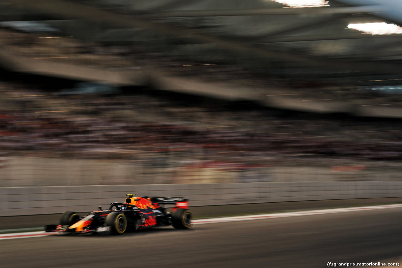 GP ABU DHABI, Alexander Albon (THA) Red Bull Racing RB15. 01.12.2019.