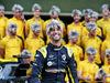 GP ABU DHABI, Daniel Ricciardo (AUS) Renault F1 Team at a team photograph. 01.12.2019.