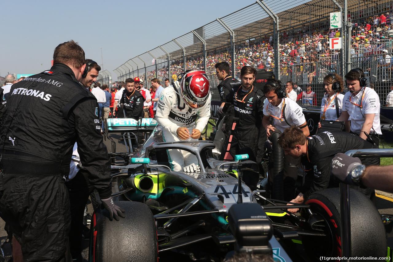 GP AUSTRALIA, 17.03.2019- race: The griglia, Lewis Hamilton (GBR) Mercedes AMG F1 W10 EQ Power