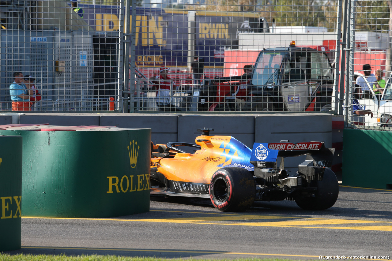 GP AUSTRALIA, 17.03.2019- Carlos Sainz Jr (ESP) Mclaren F1 Team MCL34 stopped at the pit entry
