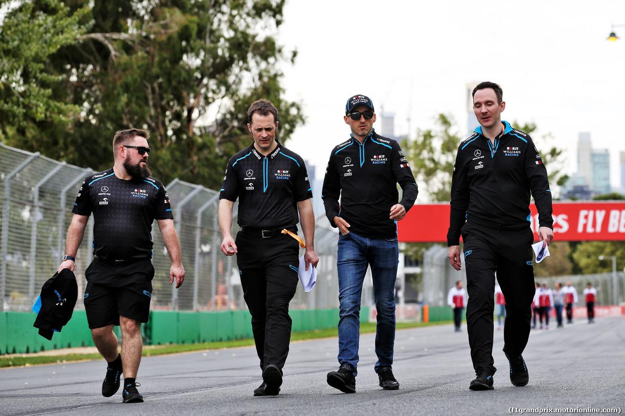 GP AUSTRALIA, Robert Kubica (POL) Williams Racing walks the circuit with the team. 13.03.2019.