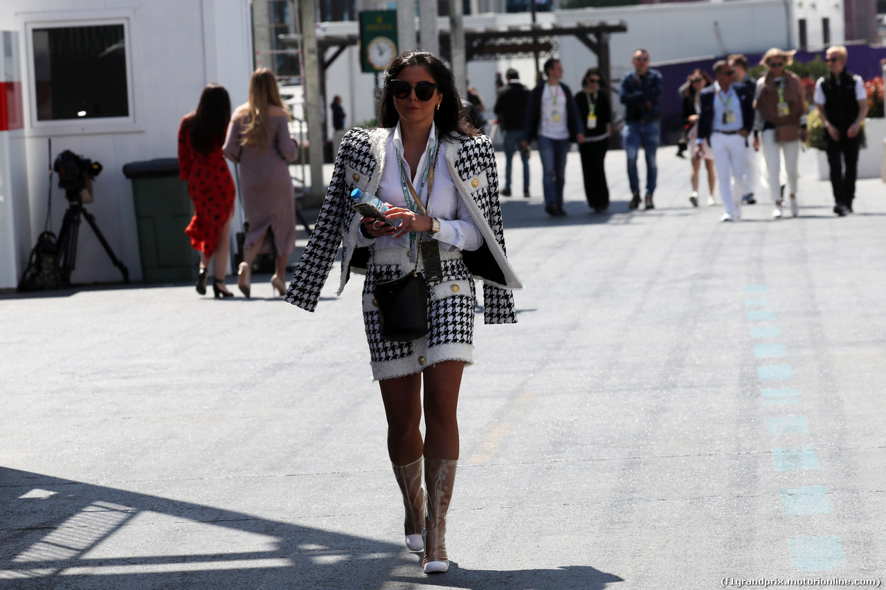 GP AZERBAIJAN, 28.04.2019 - Ragazza in the paddock