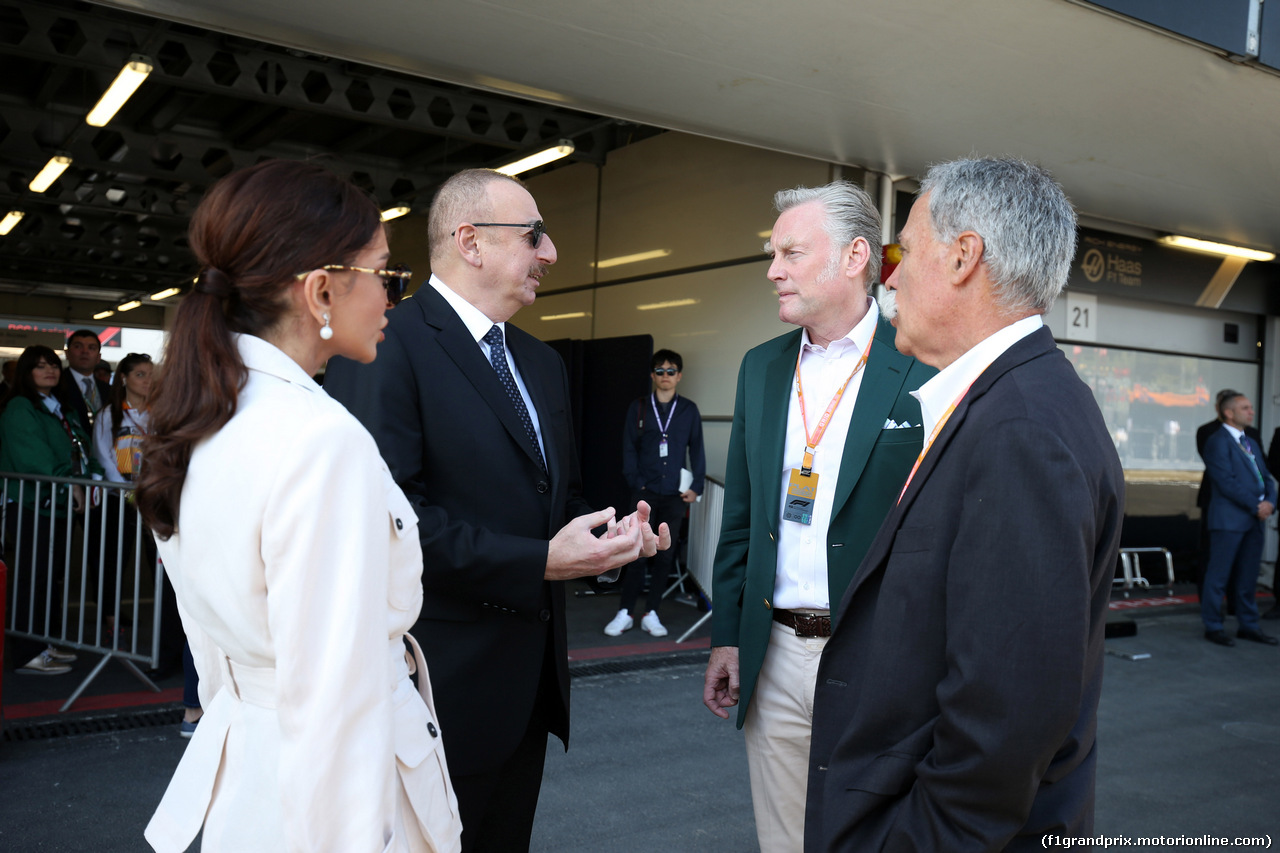 GP AZERBAIJAN, 28.04.2019 - Gara, Ilham Aliyev (AZ) President of Azerbaijan e sua moglie Mehriban Aliyeva with Sean Bratches, Formula 1 Managing Director, Commercial Operations e Chase Carey (USA) Formula One Group Chairman