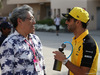 GP BAHRAIN, 31.03.2019- Daniel Ricciardo (AUS) Renault Sport F1 Team RS19 e Paul Tange Archistar
