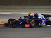 GP BAHRAIN, 31.03.2019- Gara, Alexader Albon (THA) Scuderia Toro Rosso STR14 in fight with Pierre Gasly (FRA) Redbull Racing RB15