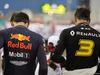 GP BAHRAIN, 31.03.2019- partenzaing grid, Daniel Ricciardo (AUS) Renault Sport F1 Team RS19 e Pierre Gasly (FRA) Redbull Racing RB15