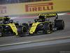 GP BAHRAIN, 31.03.2019- Gara, Daniel Ricciardo (AUS) Renault Sport F1 Team RS19 hits Nico Hulkenberg (GER) Renault Sport F1 Team RS19