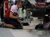 GP BAHRAIN, 29.03.2019- Free Practice 2, Alfa Romeo Racing mechanic is working on Antonio Giovinazzi (ITA) Alfa Romeo Racing C38 car