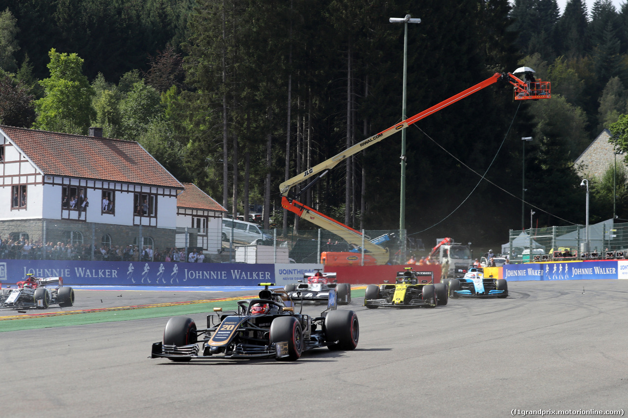 GP BELGIO, 01.09.2019 - Gara, Start of the race, Kevin Magnussen (DEN) Haas F1 Team VF-19 off track