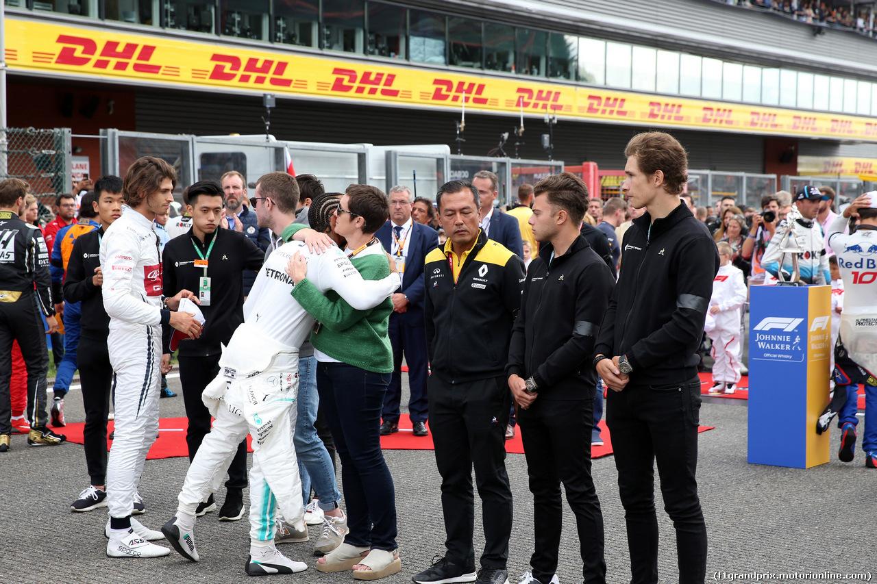 GP BELGIO, 01.09.2019 - Gara, The grid pays tribute to Anthoine Hubert, Lewis Hamilton (GBR) Mercedes AMG F1 W10 e the mother of Anthoine Hubert