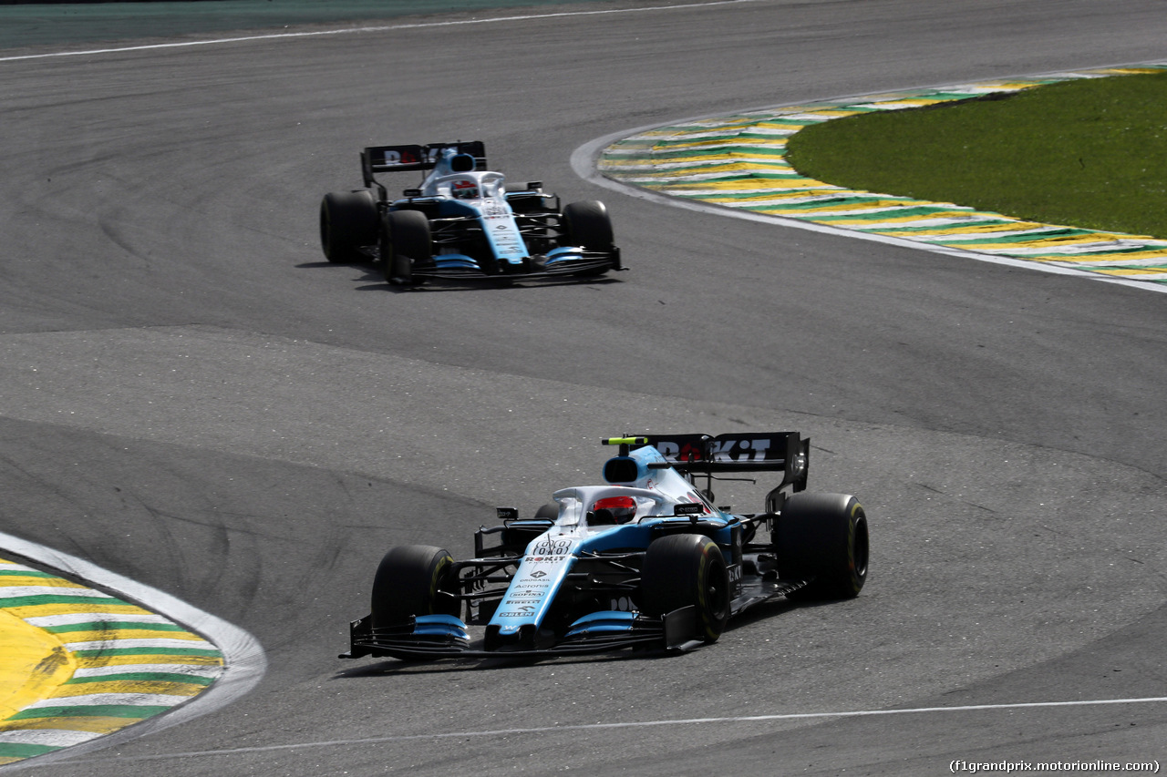 GP BRASILE, 17.11.2019 - Gara, Robert Kubica (POL) Williams Racing FW42 davanti a George Russell (GBR) Williams Racing FW42