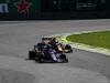 GP BRASILE, 17.11.2019 - Gara, Daniil Kvyat (RUS) Scuderia Toro Rosso STR14 e Alexander Albon (THA) Red Bull Racing RB15